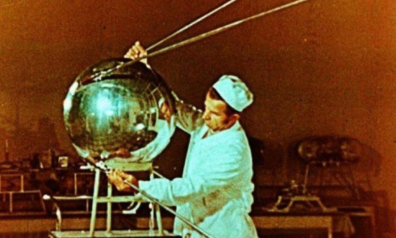 «Спутник-1» монтаж